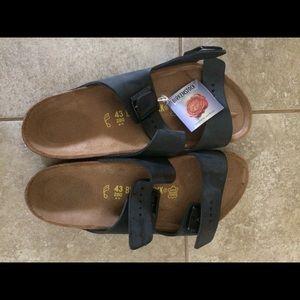 Men's Birkenstock's Size 10 Arizona New In Box